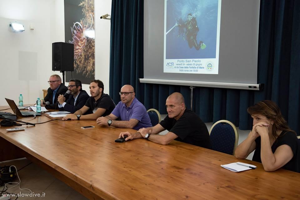 Il tavolo dei relatori con (da sinistra) gli Avv. di Diritto & Subacquea Thomas Tiefenbrunner e Giancarlo D´Adamo, Gianmario Pitzianti, Roberto Porcu, Mario Romor e Lisa Perdomi